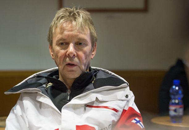 Mervin ja Matti Nykäsen räiskyvä suhde on jättänyt jälkensä Tapolaan. Hän kertoo kärsivänsä pelkotiloista.