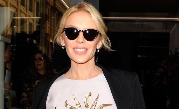 Kylie Minogue on jatkossa Kylie Sasse.