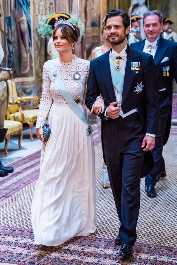 Prinssi Carl Philipin puoliso prinsessa Sofia pukeutui yksinkertaisempaan mekkoon.