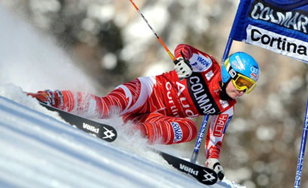 Tanja Poutiainen ei ollut parhaimmillaan Cortina d' Ampezzon suurpujottelussa.