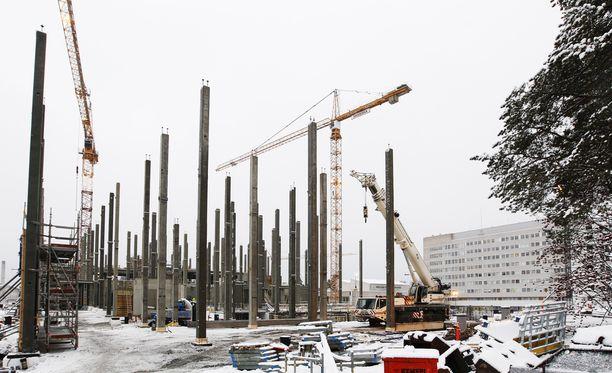 Kainuu pärjäsi Tilastokeskuksen vertailussa maakunnista parhaiten. Kuvassa Kainuun uuden sairaalan työmaa.