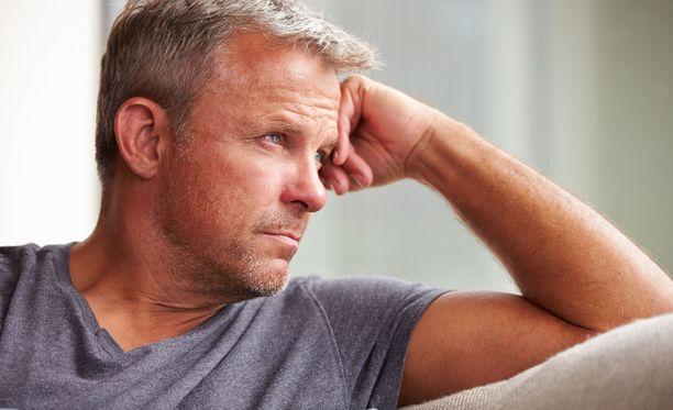 Alakuloisuuden ja uupumuksen taustalla voi olla liian alhainen testosteronitaso.
