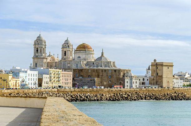 Cádizin historiallinen keskusta on yksi Euroopan vanhimpia.
