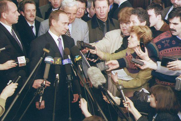 Vuonna 2000 Putin oli lehdistön ykkösuutisaihe, kuten edelleen 14 vuotta myöhemmin.
