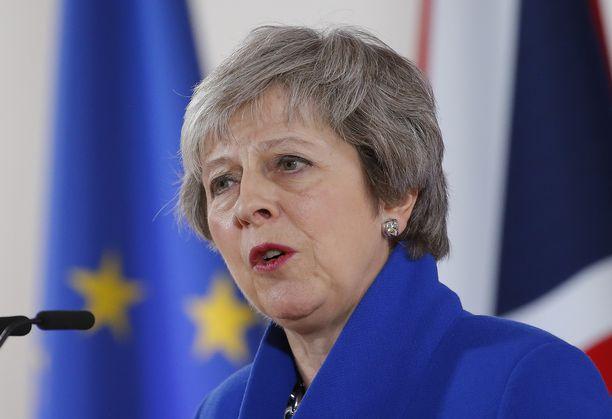 Pääministeri Theresa Mayn asema on hankala.
