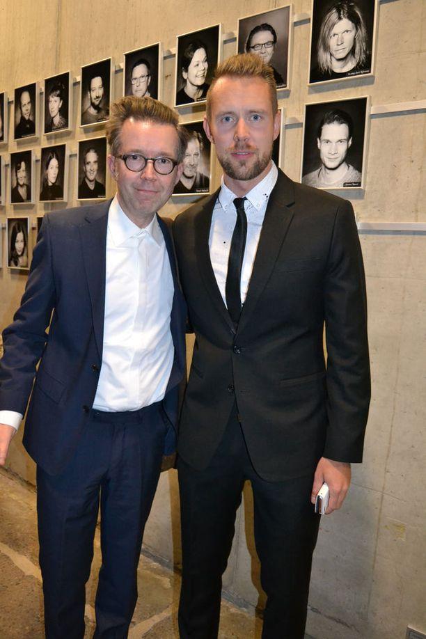 Waltteri Torikka ja Tuomas Parkkinen tapasivat kiiruhtivat musikaalin ensi-iltaan.