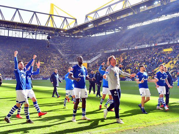 Schalke juhli Dortmundissa yllätysvoittoa.