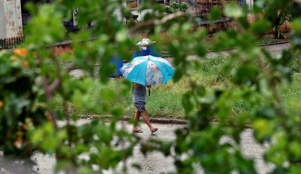 Kuubassa evakuoitiin perjantaisen hirmumyrskyn vuoksi noin 2500 ihmistä.