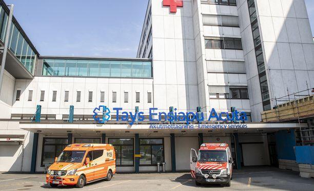 Henkilö kuljetettiin sairaalaan Tampereelle.