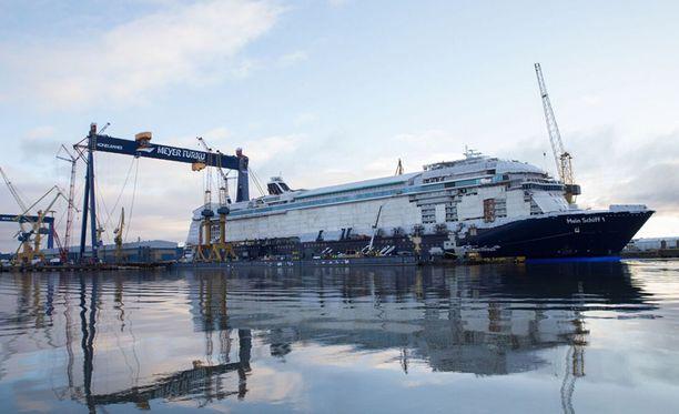 Meyer Turku tarvitsee jatkuvasti lisää työntekijöitä laivanrakennuksen eri osa-alueille.