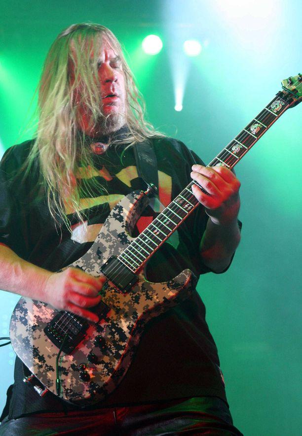 Hanneman kirjoitti monet Slayerin suurimmista kappaleista kuten Angel Of Deathin ja South Of Heavenin.
