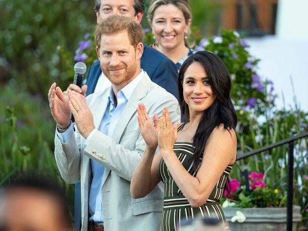 Sussexin herttuaparia eli prinssi Harrya ja herttuatar Meghania käsittelevä tuore dokumentti esitetään Britanniassa sunnuntaina.