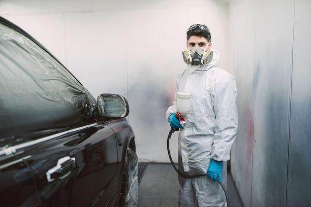 Automaalari voi altistua kemiallisille aineille, jotka aiheuttavat astmaa, ja työtehtävien vuoksi saattaa ilmetä myös käsi-ihottumaa.