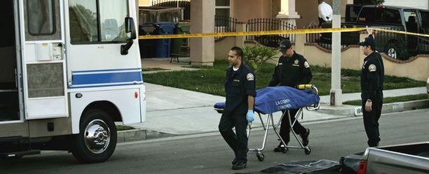 Poliisi sai tiedon murhista alun perin televisiokanavalta.
