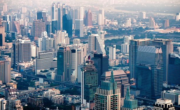Suurkaupungin kuhinaa rakastavalle sopii Bangkok.