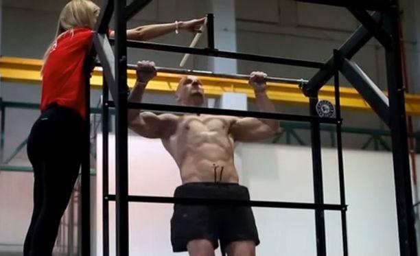 Viime vuoden SM-kisoissa Juha Ruokonen veti 51 leukaa.