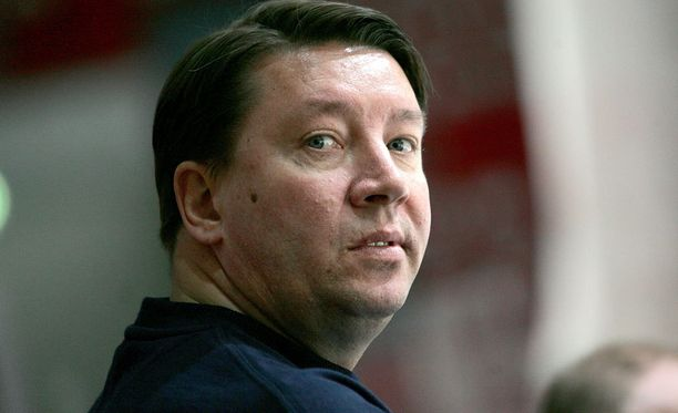 Vuonna 2007 Jokerit-ikoni kuului Suomen jääkiekkomaajoukkueen johtoryhmään.