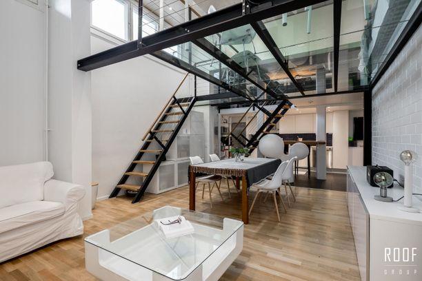 Espoolaisessa kodissa on parvi, jonka lattia on karkaistua ja laminoitua lasia.