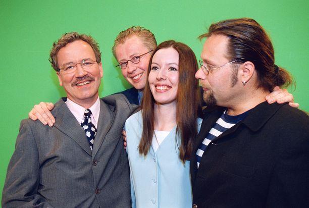 Meteorologit Visa Salojärvi, Pekka Pouta, Mette Mannnonen ja Petri Takala nostalgisessa kuvassa vuodelta 2000.