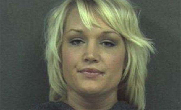 Anika Witt tekee yhteistyötä poliisin kanssa.
