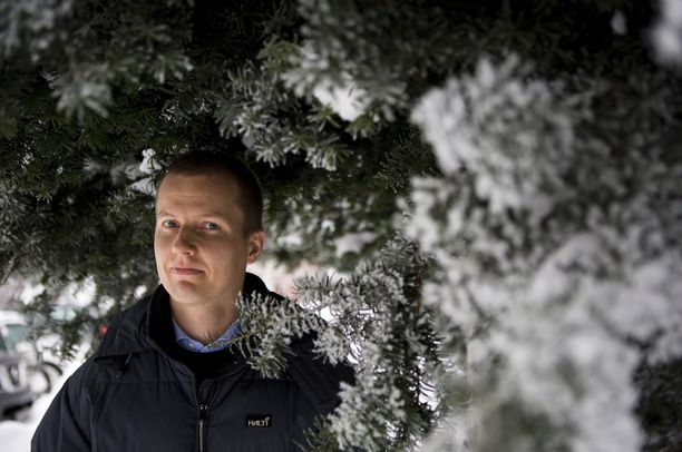 """""""Lyhyellä aikavälillä lisääntyviin sateisiin kannattaa varautua ostamalla säänkestävät vaatteet."""" Muuttuva ilmasto saa tutkija Antti Ihon mietteliääksi. Arkistokuva."""