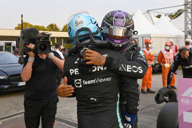 Valtteri Bottas on valmis auttamaan Lewis Hamiltonia.