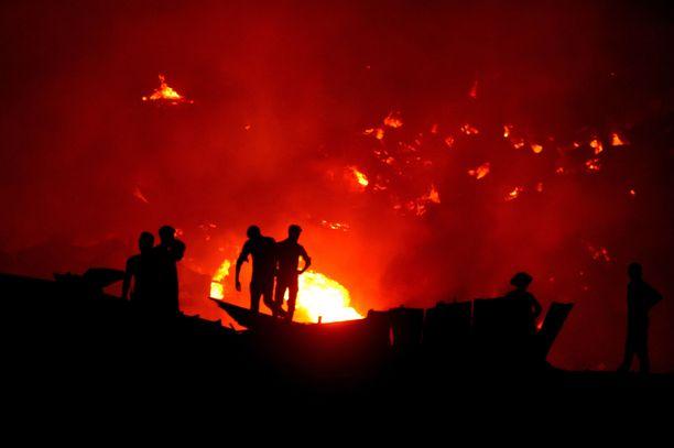 Tulipalo oli valtava haaste palokunnalle.