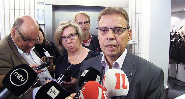 Lauri Lyly avasi SAK:n esityksen yksityiskohtia torstaina aamupäivällä.