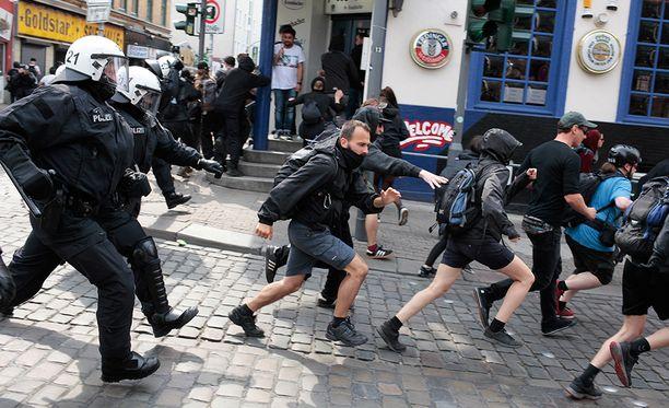 Hampurissa G20-kokouksen aikana on osoitettu mieltä kokousta ja sen julkilausumia vastaan.