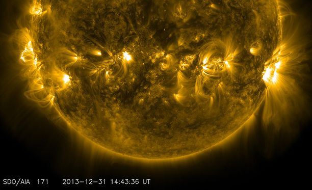 Nasan kuvaa Auringosta aikana, kun korona on vähäisen aktiivisuuden vaiheessa.