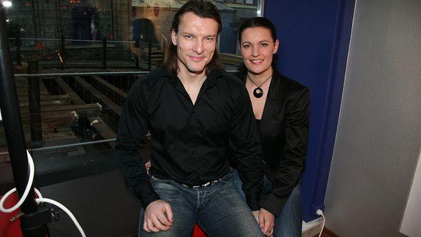 Toni Mäkiaho kuvattuna Nina-vaimonsa kanssa vuonna 2007.