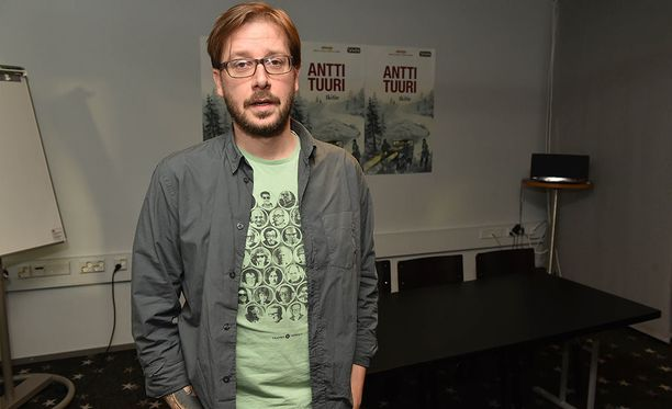 AJ Annila tunnetaan esimerkiksi Ikitien ohjaamisesta. Mies palkittiin ohjauksesta myös Jussi-palkinnolla.