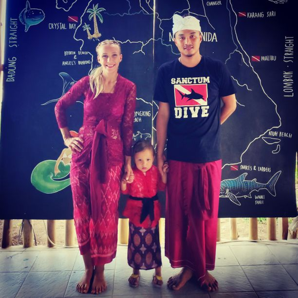 Emmi Hyvärisen perheeseen kuuluvat tytär Selina ja aviomies Andri Yusuf.