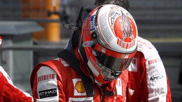 TUTTU NÄKY Ferrarin leirissä pohditaan ankarasti, miten paluu huipulle onnistuisi.