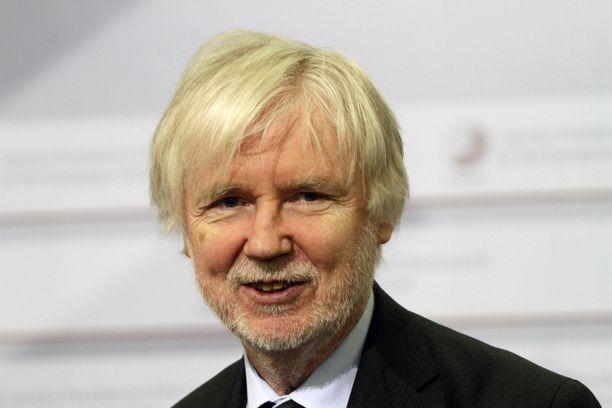 Kansanedustaja Erkki Tuomioja (sd) voitti Tieto-Finlandian vuonna 2006.