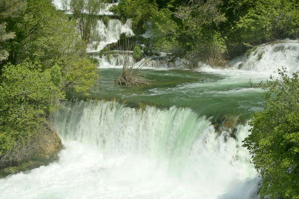 Krkan kansallispuisto tunnetaan upeista vesiputouksistaan.