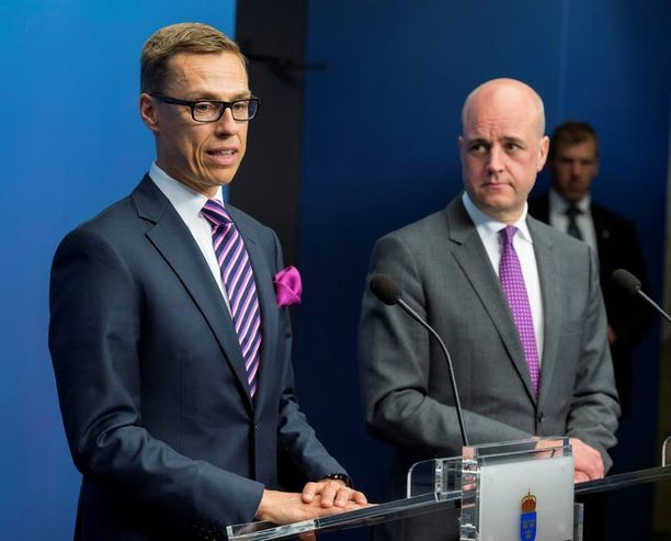 Pääministeri Fredrik Reinfeldtiä uhkaa vaalitappio syksyllä. Almedalenin viikko lykkäsi jopa Alexander Stubbin Tukholman-vierailua.