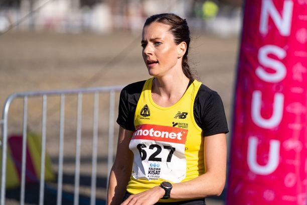 Kristiina Mäki palasi äitiyslomalta komeasti kilpailuihin sunnuntaina Joensuussa.