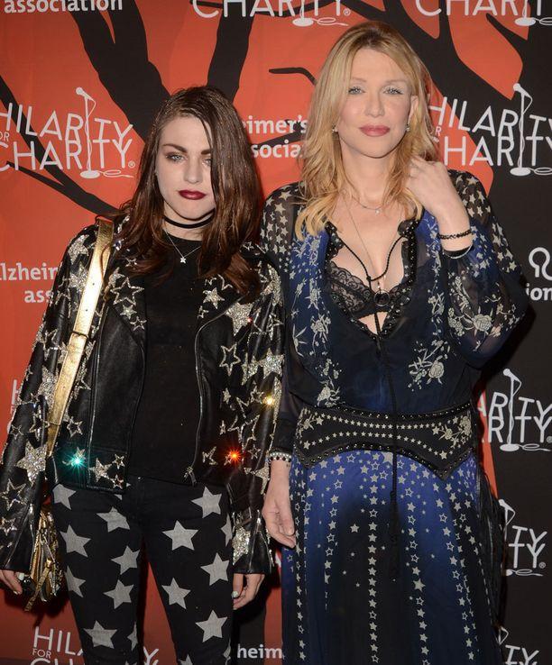 Frances Bean on Kurt Cobainin ja Courtney Loven tytär.