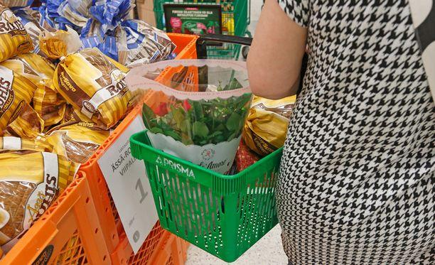 Viljatuotteiden ja leipien hintatason muutos on tänä vuonna käytännössä nollassa. Sen sijaan lihan ja maitotuotteiden hintataso laskee.