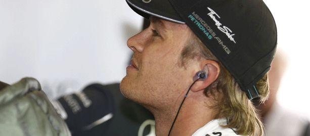 Nico Rosberg kertoi onnettomuuden jälkeen olevansa shokissa.