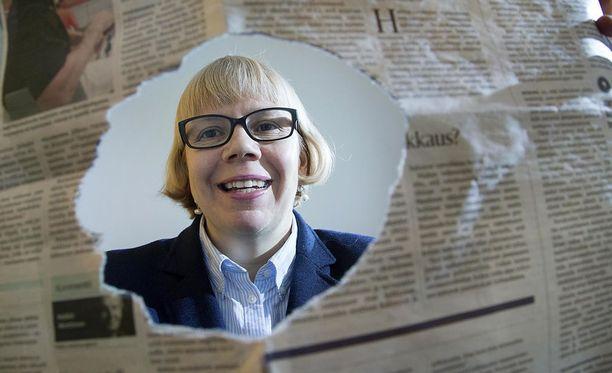 Elina Grundström aloitti Julkisen sanan neuvoston puheenjohtajana vuoden 2016 alussa. Tehtävässään hän on vastuullisen tiedonvälityksen ylin valvoja