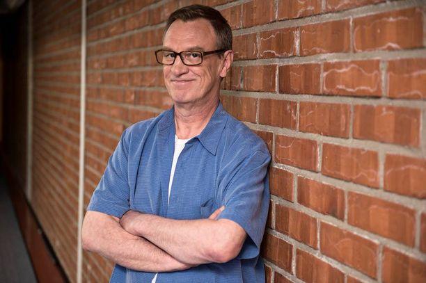 Esko Koveron esittämä Ismo Laitela on ollut monessa mukana 17:n salkkarivuoden aikana.