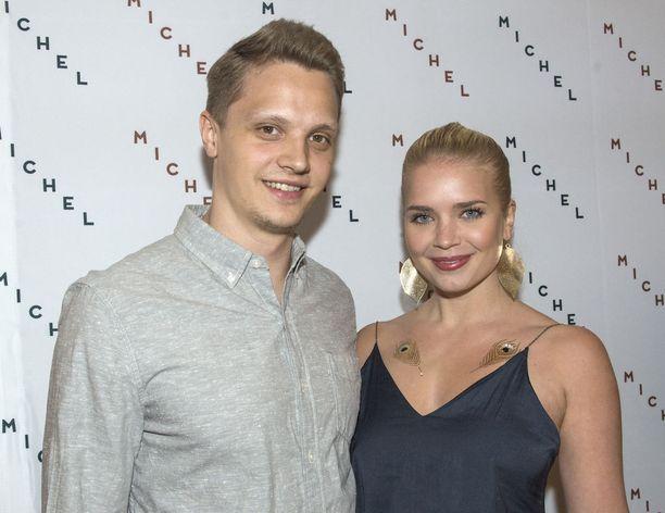 Kristian ja Lotta Näkyvä menivät viime kesänä naimisiin.