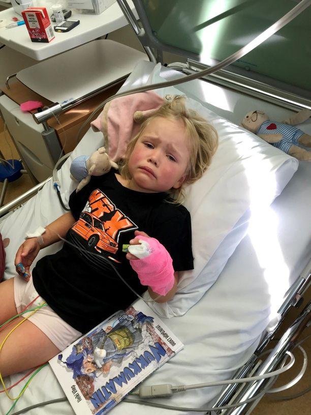 Kun 4-vuotias Jippu oli kipeimmillään Kawasakin taudin takia, tulehdusarvot olivat hurjat ja kuume korkea.