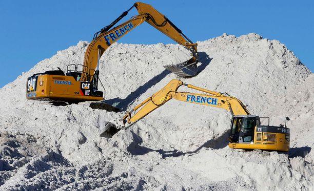 Lumi aiheutti työsarkaa Bostonissa.