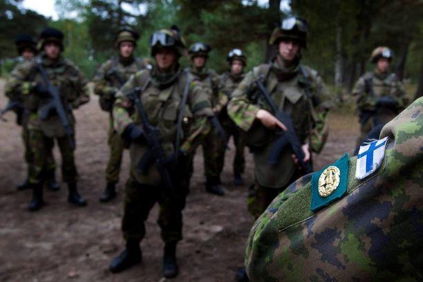 Uhka 4: Suomeen suoraan tai välillisesti kohdistuva turvallisuuspoliittinen kriisi.