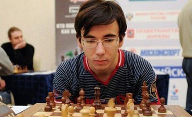 Juri Jelisejevistä tuli shakin suurmestari 17-vuotiaana.