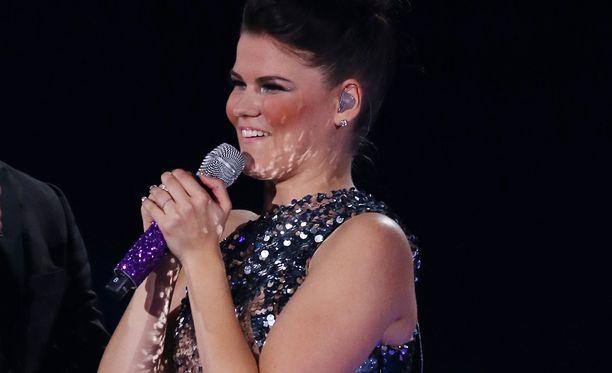 Saara jatkaa taivaltaan kohti X Factorin voittoa!