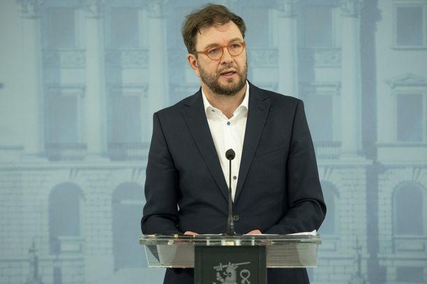 Viestintäministeri Timo Harakka (sd)